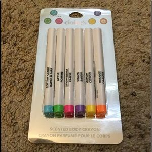 CLAIRE'S SCENTED BODY CRAYONS TATTOO ART, NWT